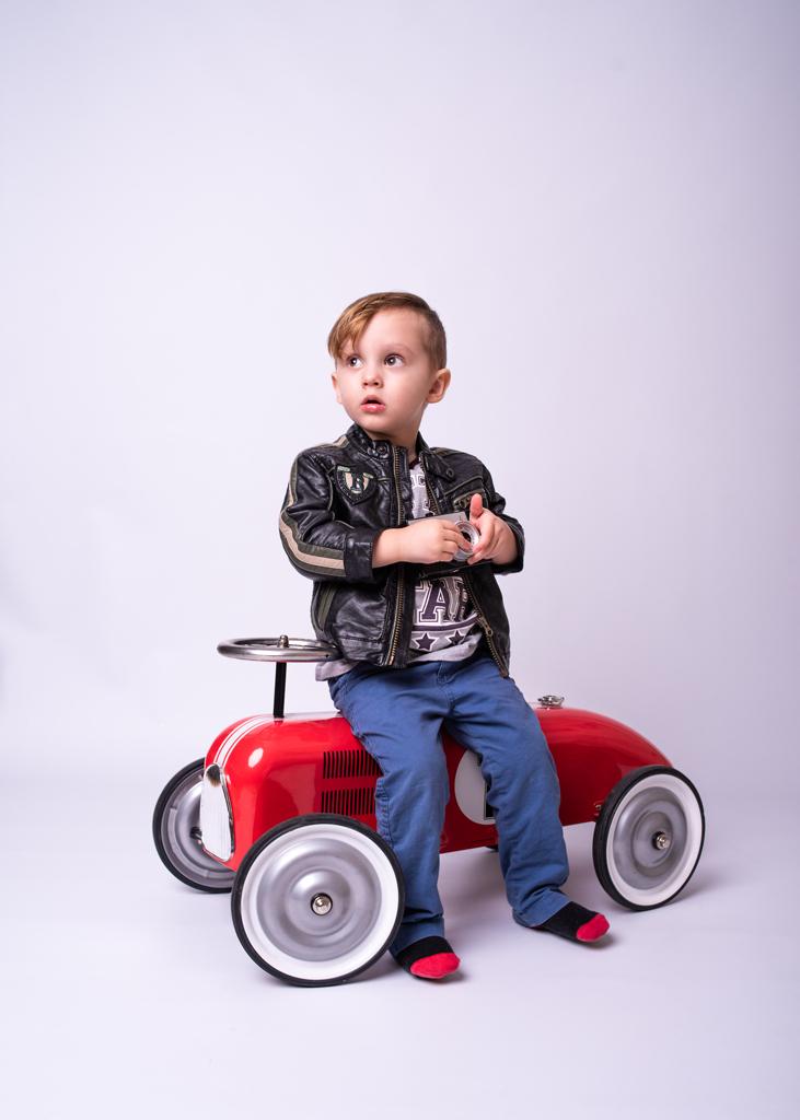 Children photographer Nottingham model child portfolio, Nottingham family photoshoot
