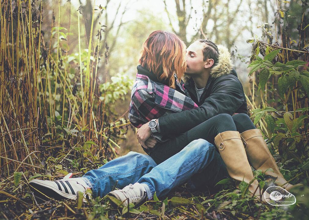 teenage couple kissing in Nottingham Park, Couple on location Photoshoot Nottingham