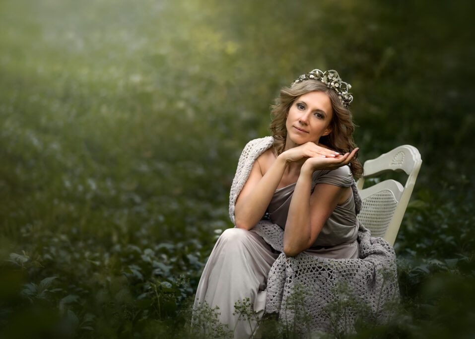 Woman Photography session in wild garlic in Nottingham Forest