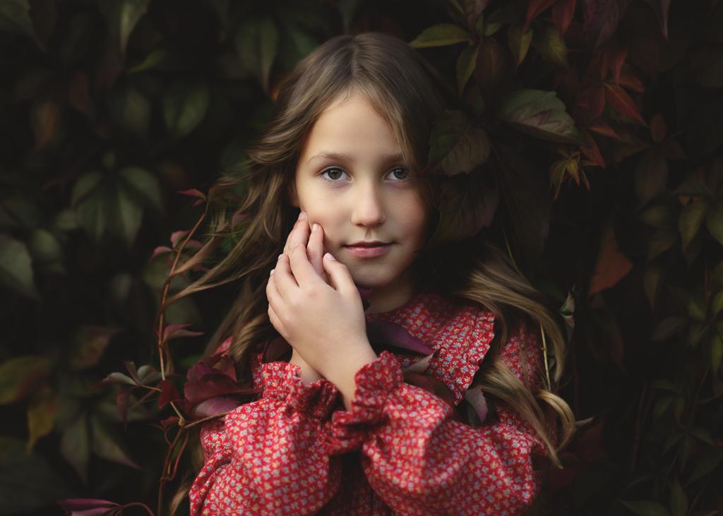 Fine Art children's Portrait of a girl with curvy hair in Nottingham