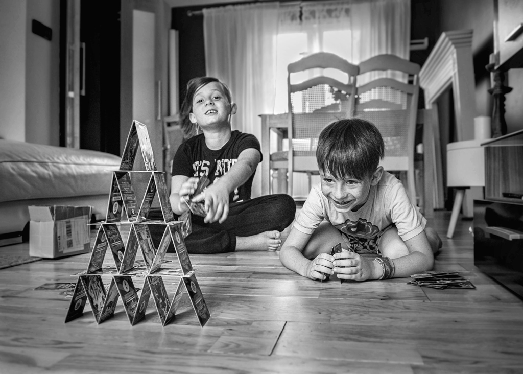 Children family photographer Nottingham lifestyle photoshoot at your home