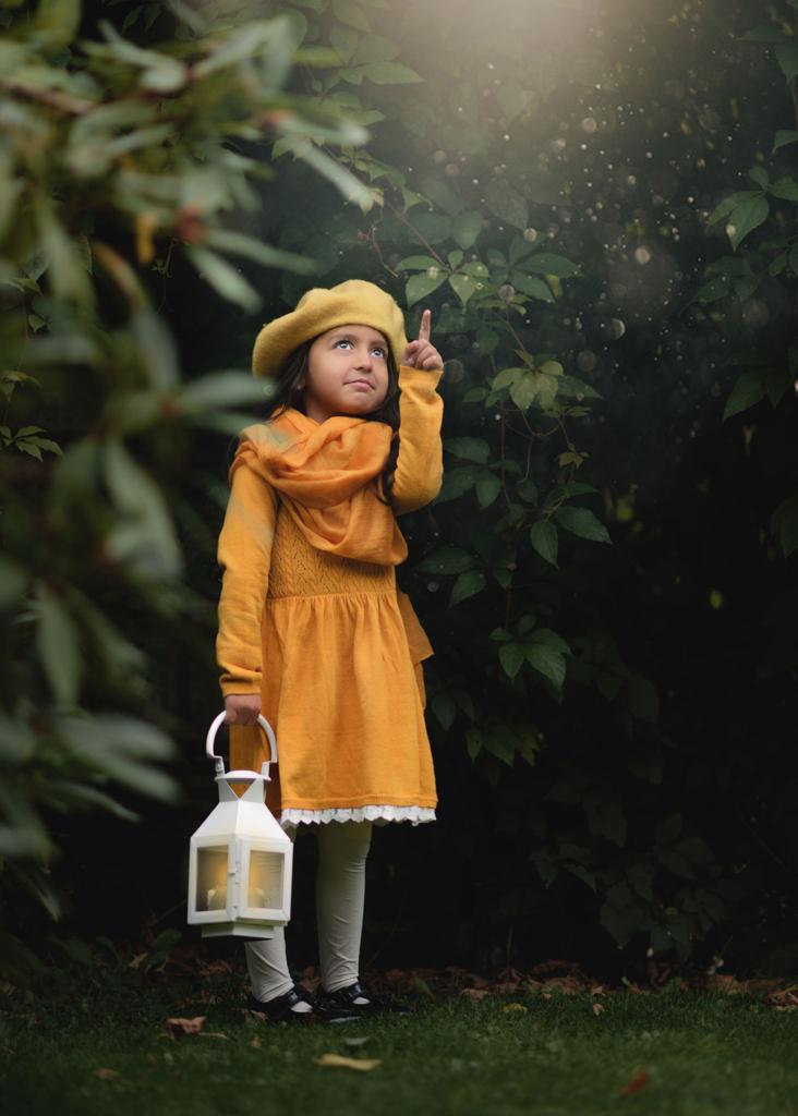 Outdoor children's portrait photographer nottingham