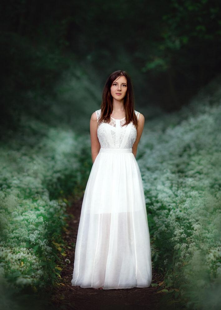 Teenager photographer Nottingham, Woman outdoor Wild Garlic Photoshoot in Nottingham